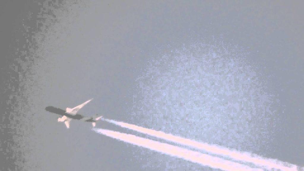 2016年5月6日、メルボルン近郊でケムトレイルを散布する航空機 – Aircraft Spraying Chemtrails BIG TIME near Melbourne 06MAY16