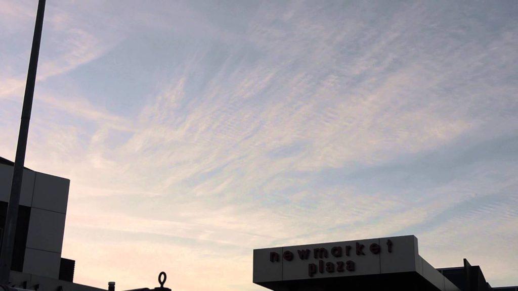 続 2016年5月6日、メルボルン近郊のケムトレイルとケム空 – Newly sprayed chemtrail spreading & changing the sky 06MAY16