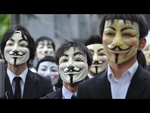 渋谷の街に仮面集団 「アノニマス」が抗議のゴミ拾い