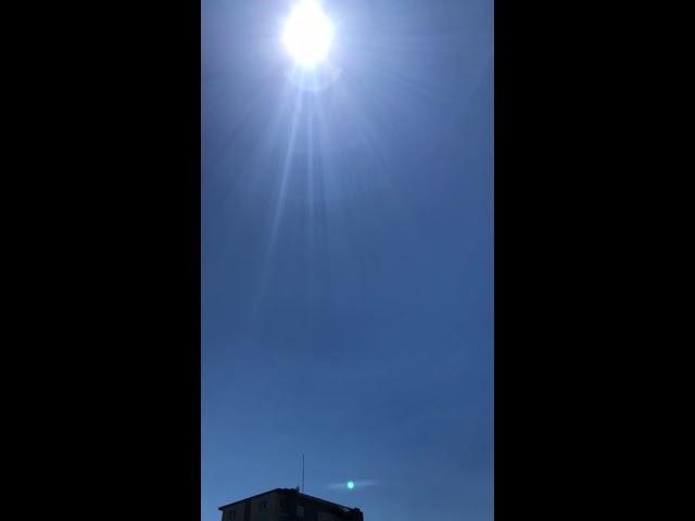ケムトレイルが撒かれていない綺麗な青空