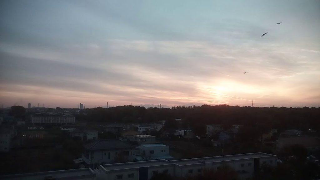 ケムトレイル朝は晴天、午後はいつものようにケム空、カナリア軍団ホームページに掲示板!2018.11.25