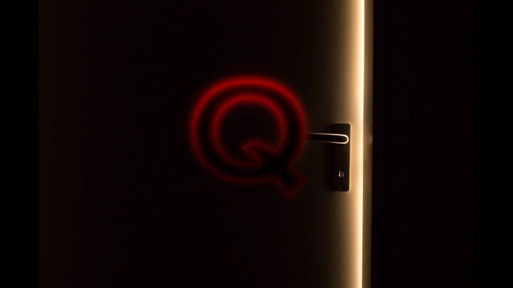 Qアノン 根拠無き陰謀論