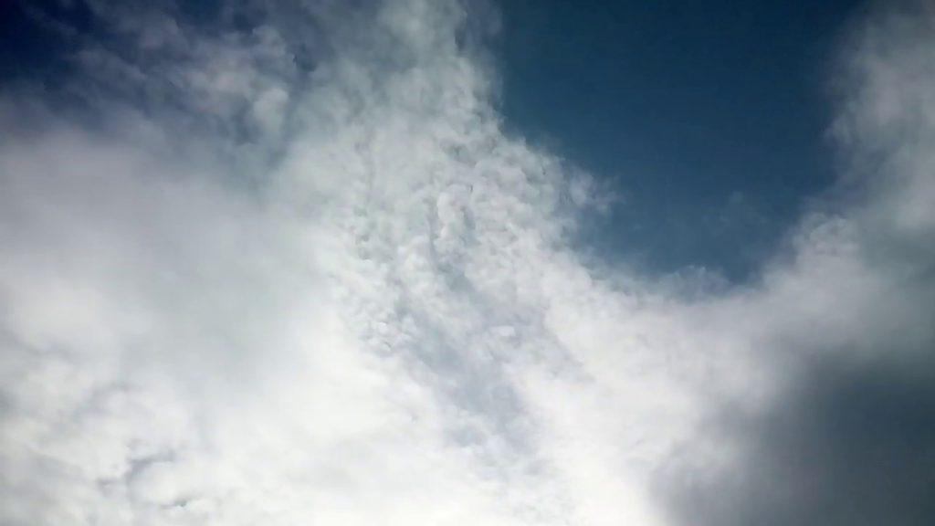 何時ものケムトレイル雲ですが、カナリア軍団の皆さんありがとうございます!2018.11.29