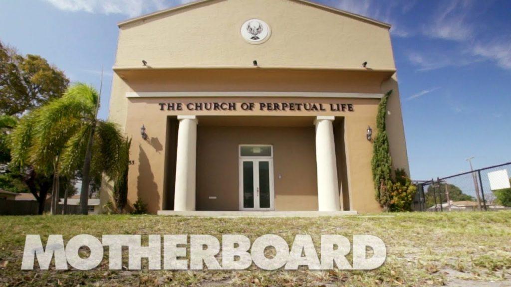 不死を信じる 世界初のトランスヒューマニスト教会
